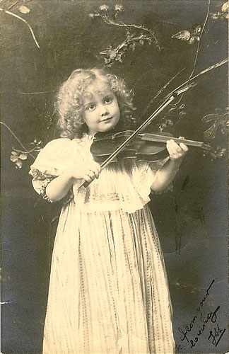 vintage-postcard-little-g