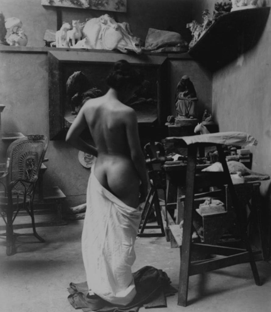 Heinrich Zille – Model in the studio (1900)