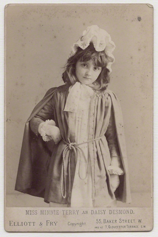 Elliott & Fry - Minnie Terry as Daisy Desmond (1889)