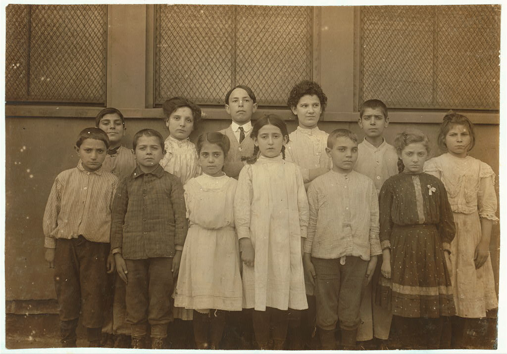 Lewis Hine - Immigrant children, Washington School, Boston, MA (Oct 1909)