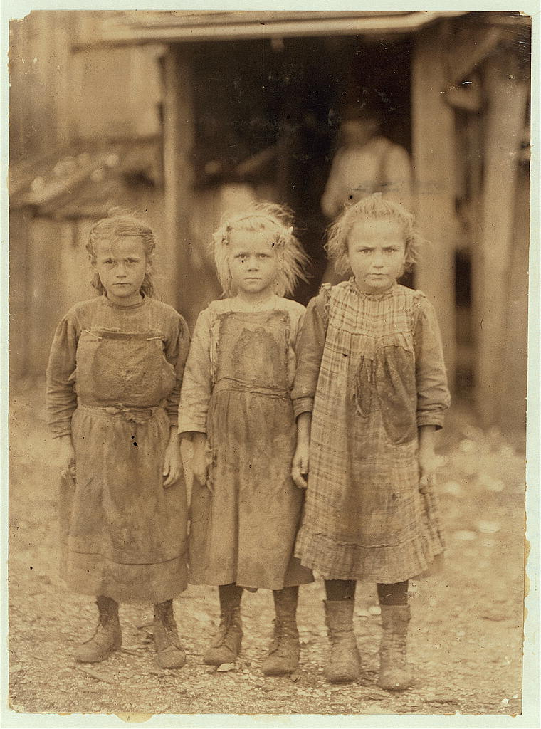 Lewis Hine - Josie, Bertha and Sophie, regular shuckers, Maggioni Canning Co., Port Royal, SC (Feb. 1911)