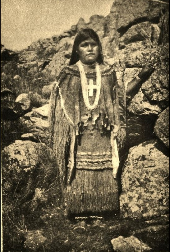 (Photographer Unknown) - Apache girl (c1880)