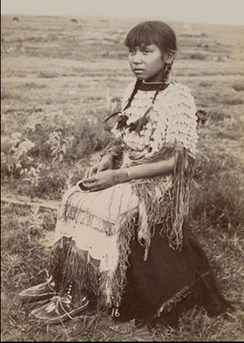 (Photographer Unknown) - Kiowa Girl (c1900)