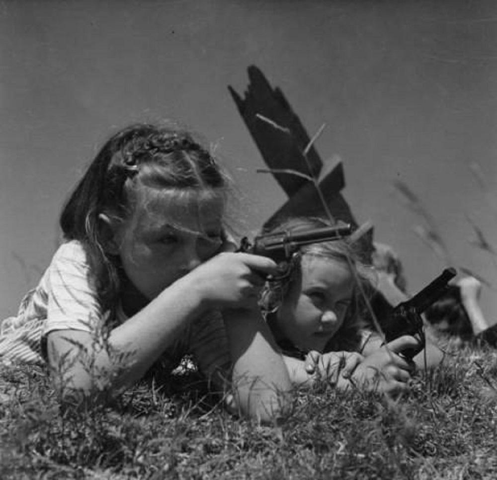 Esther Bubley - Children playing near schoolhouse, Tomball, Texas (1947)