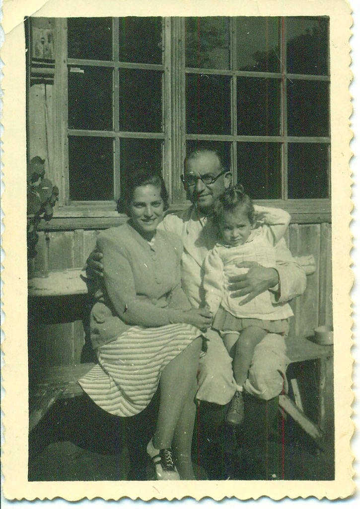 Gusztav and Mancika Weinberger with their daughter Eva
